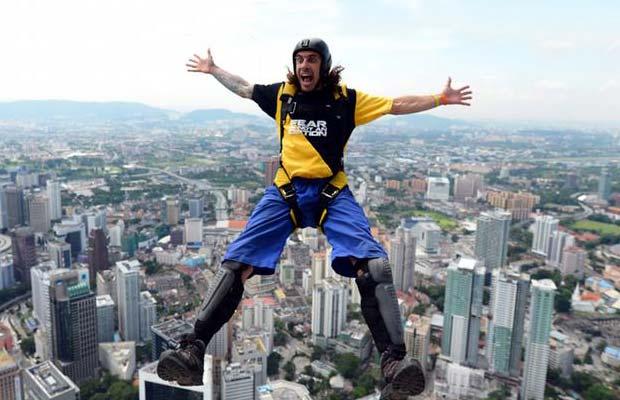 extreme sports base jumping