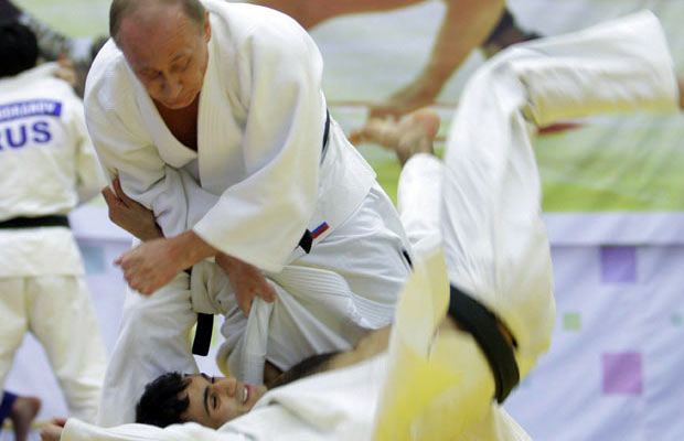 putin-judo throws a man-news